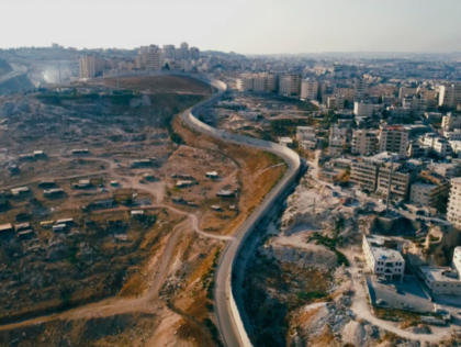 Terugluisteren. Broken; A Palestinian Journey Through International Law