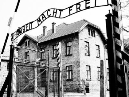 Terugluisteren. Een onbekend verzetsverhaal uit Auschwitz.